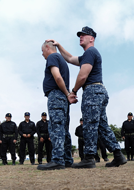 Defense Academics handcuffing, security training St Petersburg FL